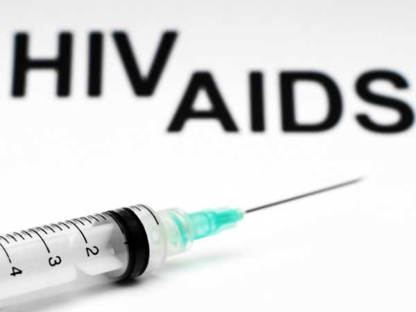 21 contract HIV after quack reuses syringe