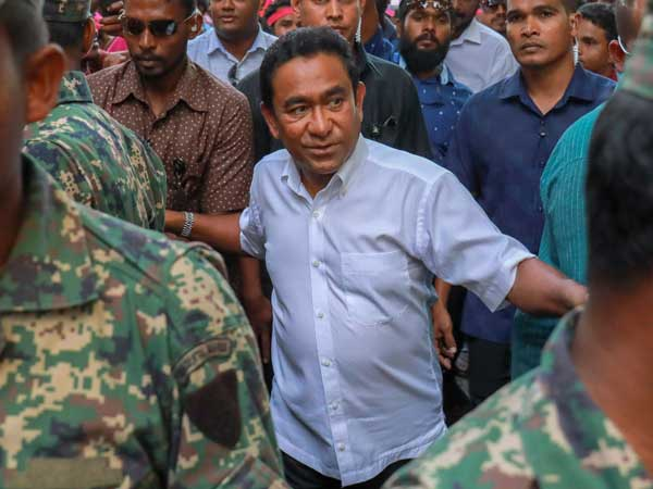 Maldives top court reverses ruling after judges' arrest