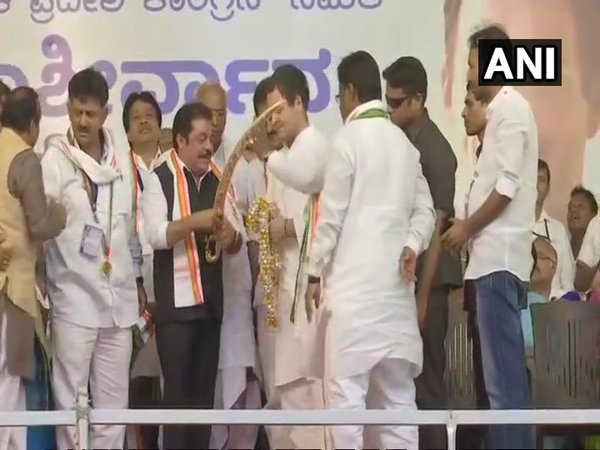 JD (S) MLAs join Congress