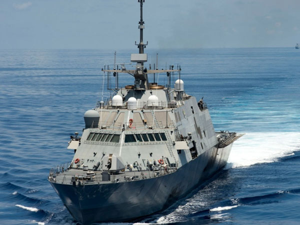 China 'warns off' U.S.  destroyer in South China Sea