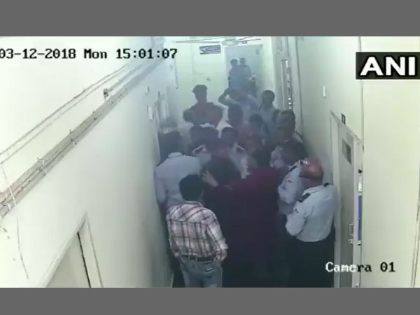 Delhi Complained filed against JNU students for manhandling Dean