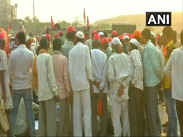 Maharashtra: All India Kisan Sabha reaches Thane, over 30,000 farmers demand loan waiver