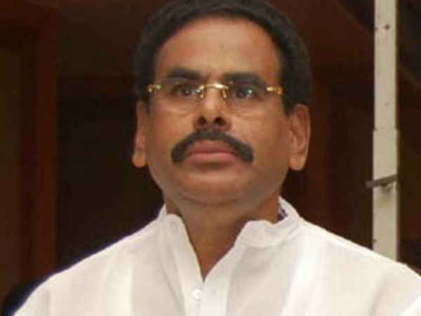 Sasikala's husband M Natarajan dies in private Chennai hospital