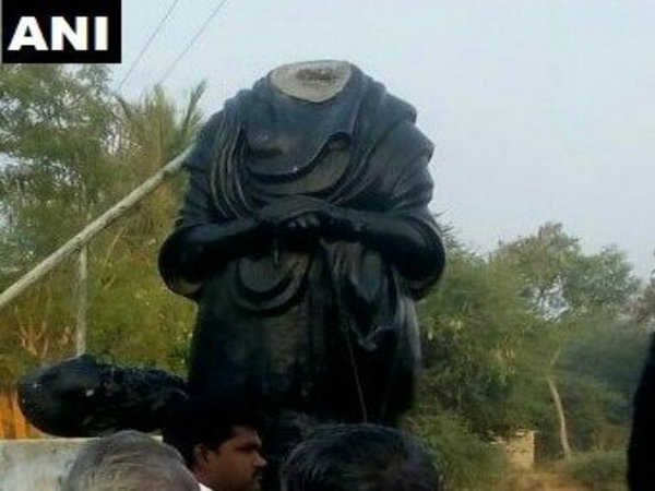 Periyar statue vandalised in Pudukkottai
