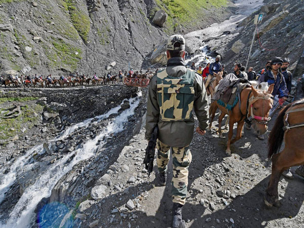 Amarnath Yatra resumes from Pahalgam route
