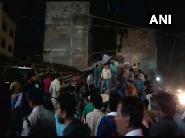 Building collapse in central India kills at least 1, many injured