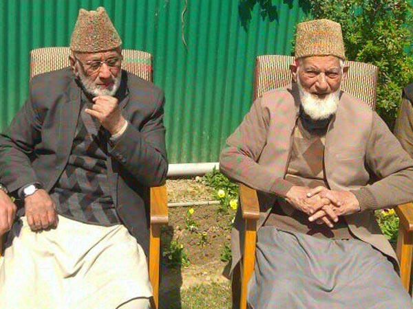 SAS Geelani steps down as Tehrik-e-Hurriyat chief