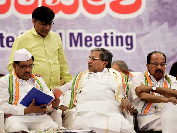 Karnataka elections: On final list of candidates, Congress stuck in a loop