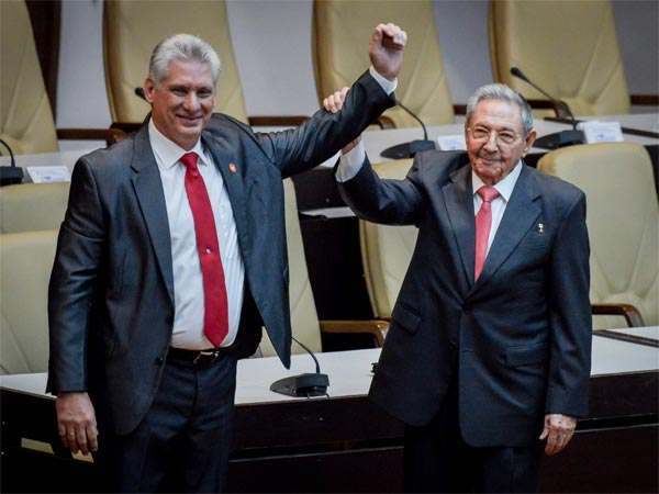 Cubas new president Miguel Diaz-Canel and former president Raul Castro