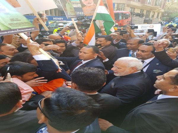 Indian community welcomes Modi