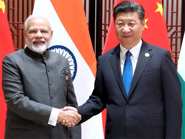 Indian Prime Minister Narendra Modi and Chinas President Xi Jinping