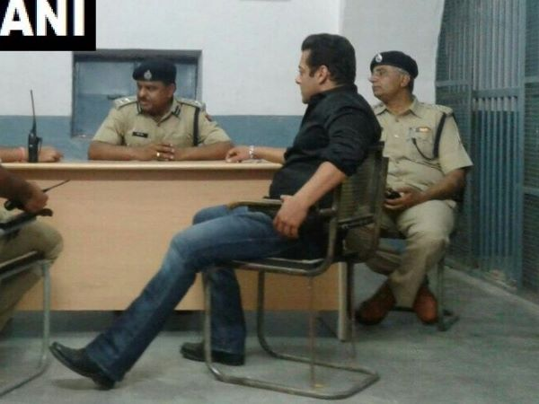 Salman Khan on his arrival at Jodhpur jail