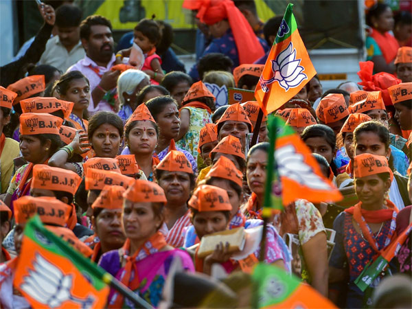 Lingayat card fails to impress, BJP heading towards victory in North