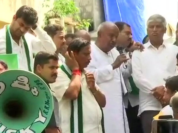 Deve Gowda campaigns for JDS candidate in RR Nagar constituency