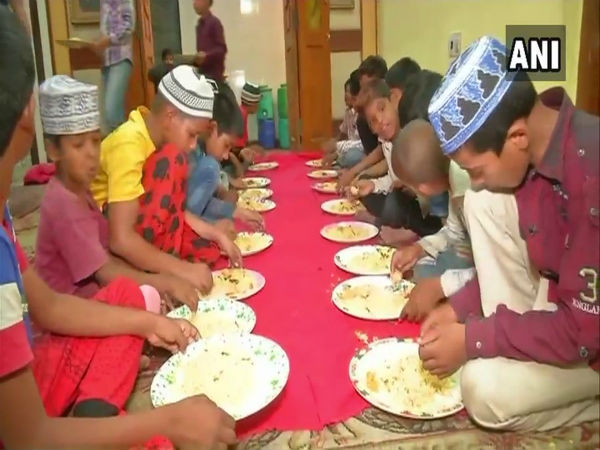 [This Ramzan season, Hyderabad trust serves iftar to more than 500 poor people daily]