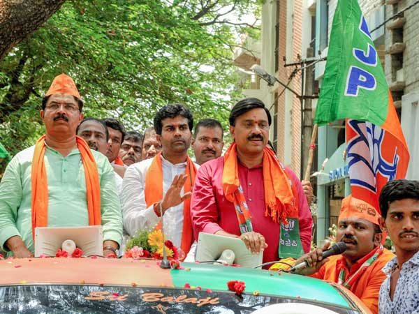 No campaigning in Bellary, Supreme Court tells Janardhan Reddy