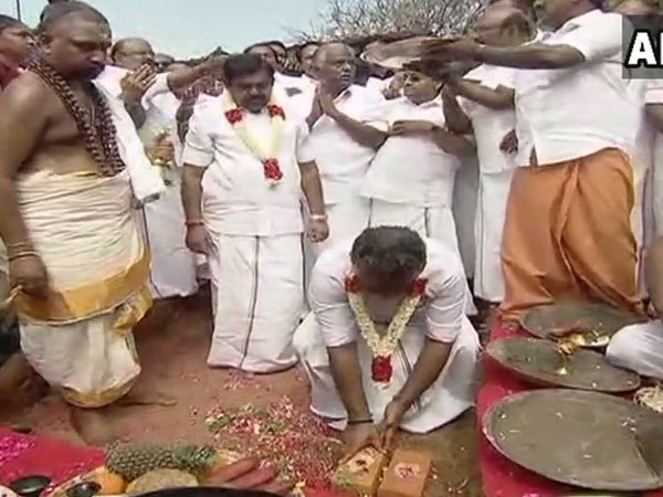EPS-OPS and other AIADMK leaders at Jayalalithaa memorial foundation stone laying ceremony (Image courtesy - ANI/Twitter)
