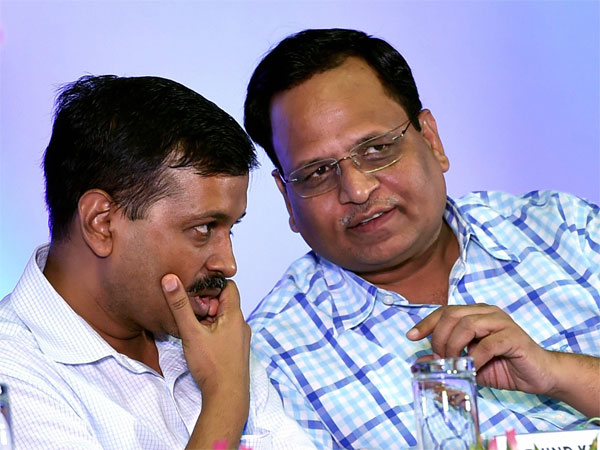 Delhi Chief Minister Arvind Kejriwal with Health Minister Satyendra Jain