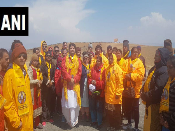Controversy grips Mansarovar Yatra, pilgrims not allowed to take dip accuse Chinese authorities