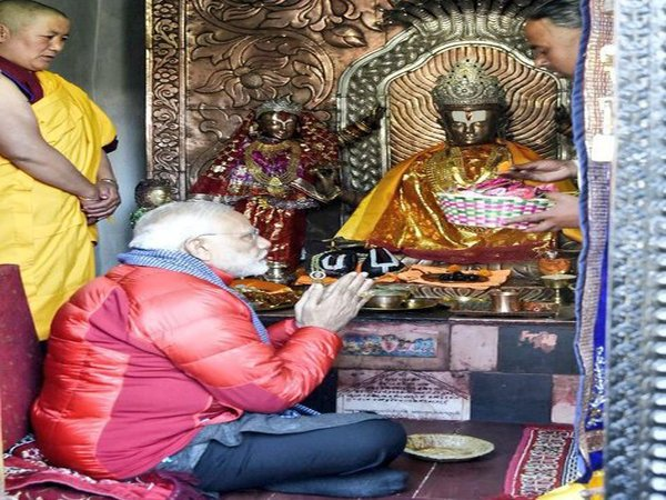 PM Modi at Muktinath temple (Image courtesy - MEA/Twitter)