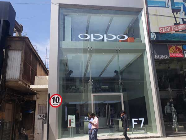 Oppo new design showroom in Bengaluru