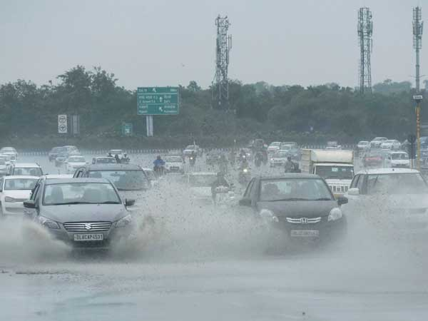 IMD issues heavy rain alert in Delhi-NCR; warns strong winds in Himachal Pradesh