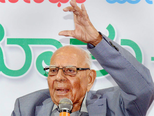 Senior Supreme Court lawyer Ram Jethmalani