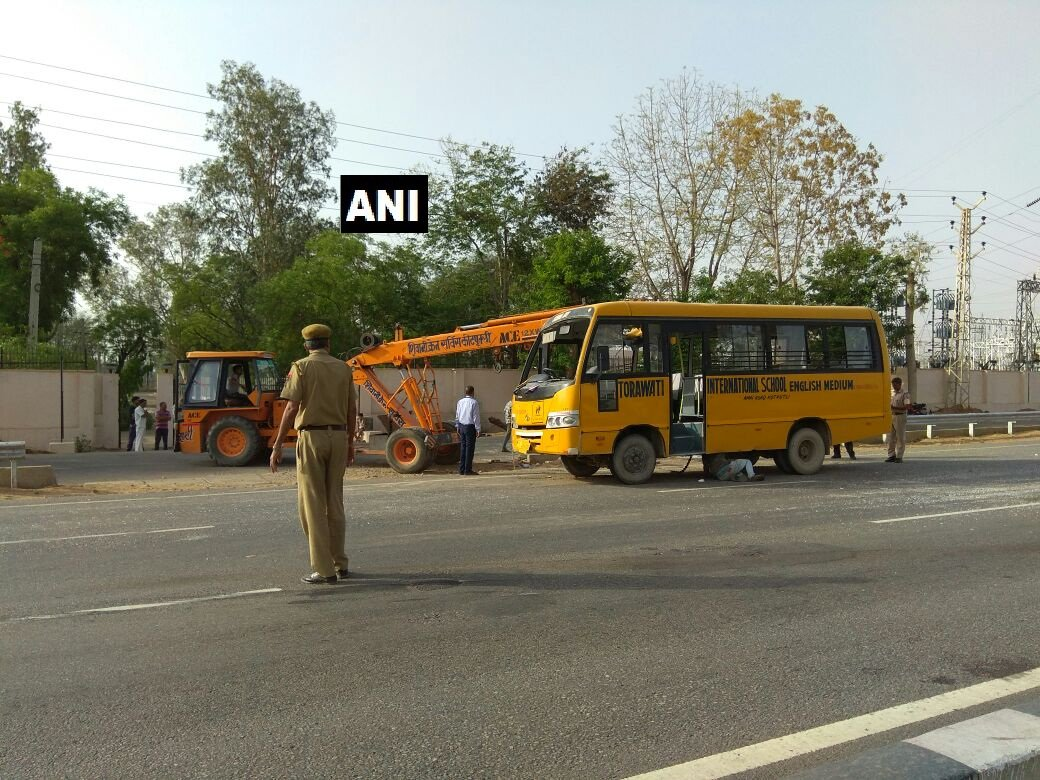 25 children injured after school bus meets with an accident in Jaipur