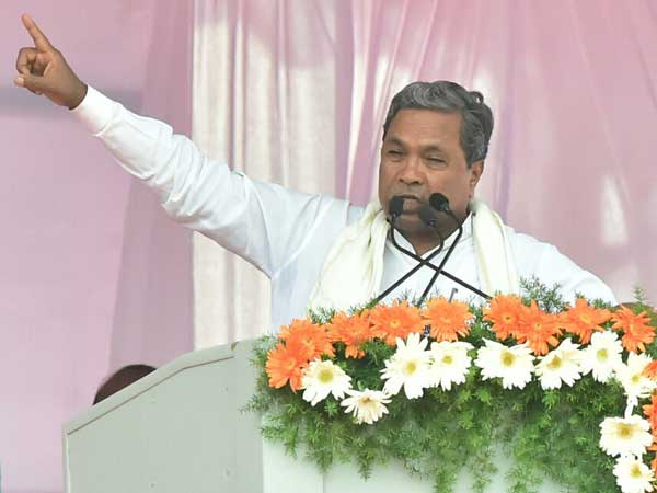 Siddaramaiah slaps legal notice on Modi, Shah, demands apology, Rs 100 crore