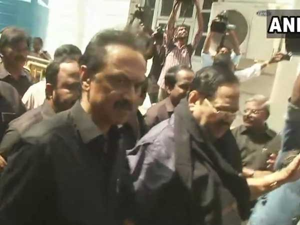 Sterlite protests: Stormy start to Tamil Nadu Assembly session, DMK MLAs arrive in black shirt