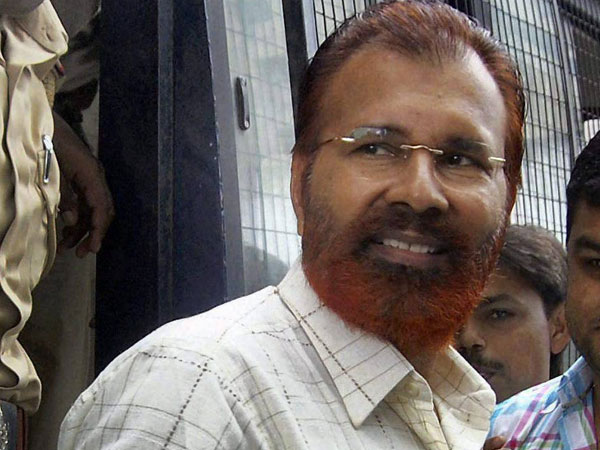 Ishrat Jahan's mother opposes discharge plea by Vanzara