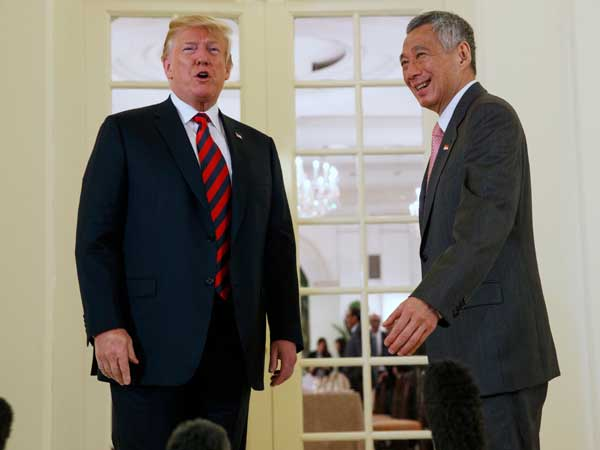 Kim summit: Trump meets Singapore PM Lee, thanks him for hospitality