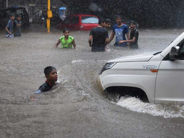 Weather forecast for June 25: Heavy rains to continue in Mumbai