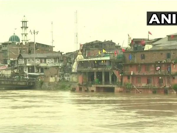 Jhelum river crosses danger mark. Courtesy: ANI news