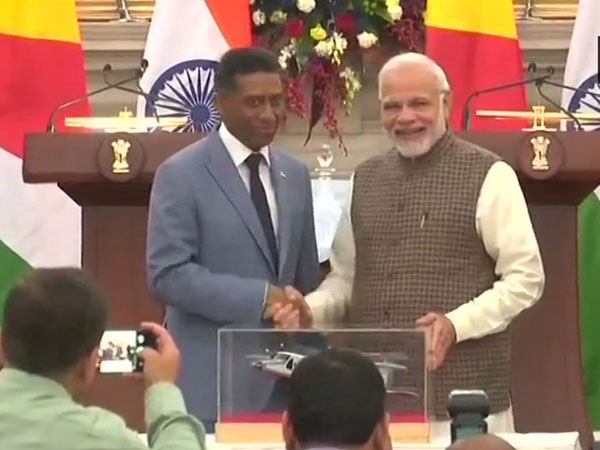 India signs 6 MoUs with Seychelles