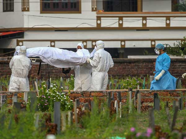 Panic over Nipah Virus: Death toll rises to 17; Staff of Kozhikode hospital relieved of duties