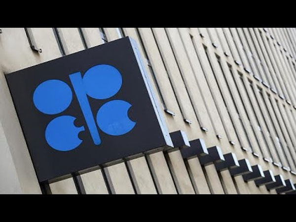 OPEC ministers meet today to arrive at consensus on oil output amid rifts