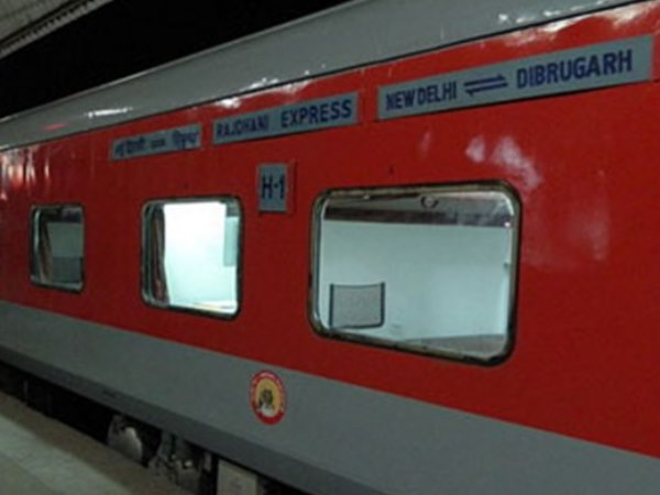 Sealdah Express derails at Akbarpur railway station, no casualties