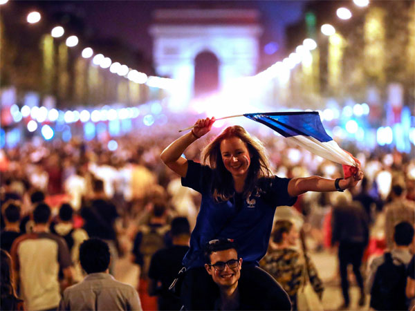 After World Cup win, France witnesses violence; 2 fans die; many injured
