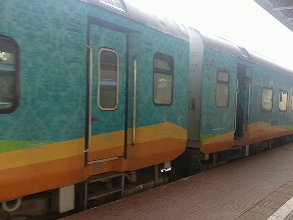 Humsafar Superfast Express flagged off from Jammu