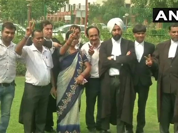 Nirbhayas parents welcome SC decision to quash review petition