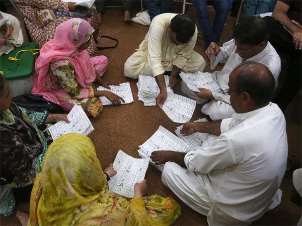 Pakistan elections 2018: Not allowing Pakistani diaspora to vote makes this poll a farce