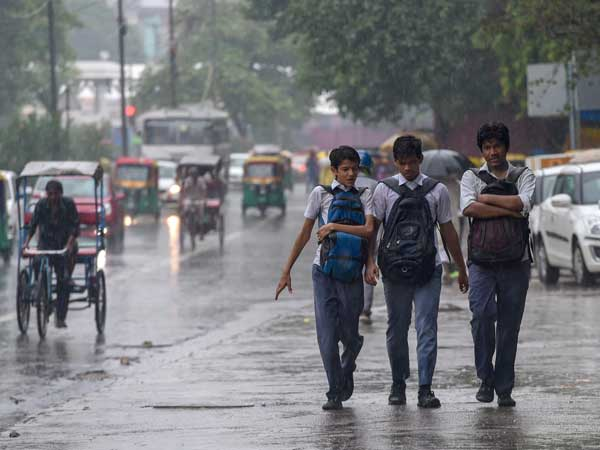 Light rains likely for another 2-3 days in Delhi