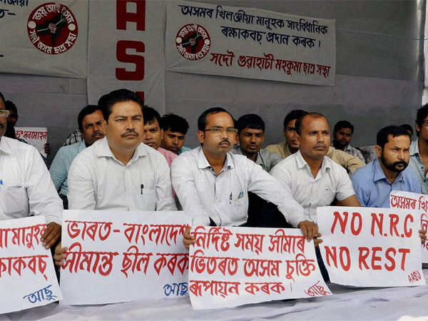 Activists of the All Assam Students Union (AASU) stage a hunger strike at Dighalipukhuri in Guwahati on Wednesday in protest against the non-implementation of the Assam Accord by the Union and the State governments. PTI Photo