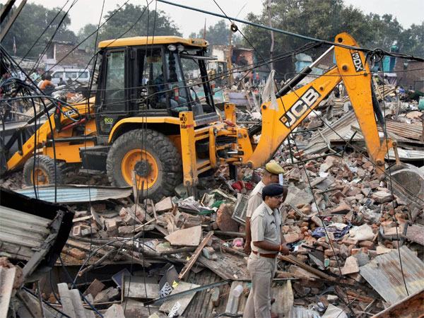 GDA brings down 104 illegal structures
