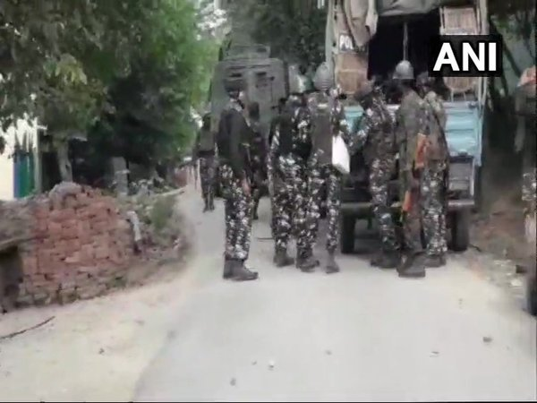 J&K: Exchange of fire between security forces, terrorists underway in Handwara (Image courtesy - ANI/Twitter)