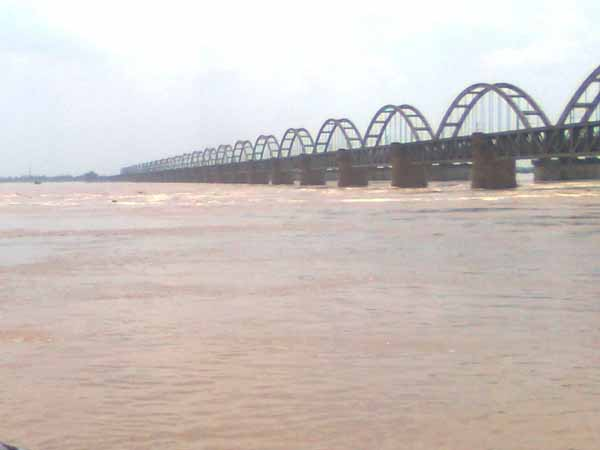 High alert: Godavari, river in spate at AP, Telangana