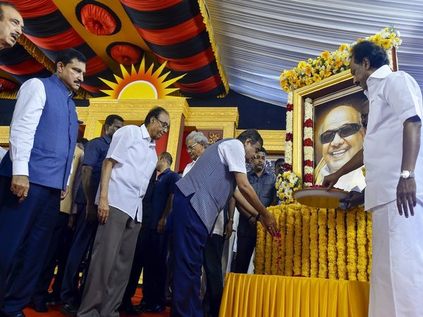 DMK President MK Stalin along with Union minister Nitin Gadkari, Congress' Ghulam Nabi Azad, CPM's Suravaram Sudhakar Reddy during the 'Commemorative meet. Photo credit: PTI