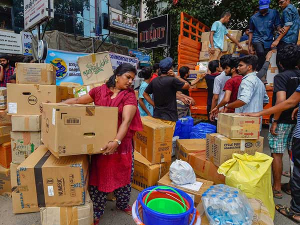Mumbai: Several NGO's come to the aid of Kerala flood victims