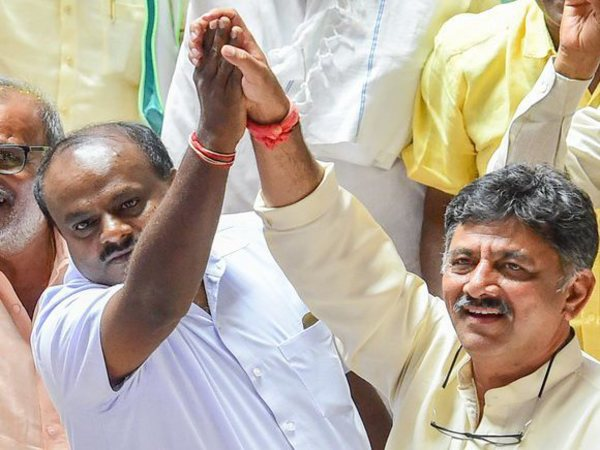 Kumaraswamy with D K Shivakumar